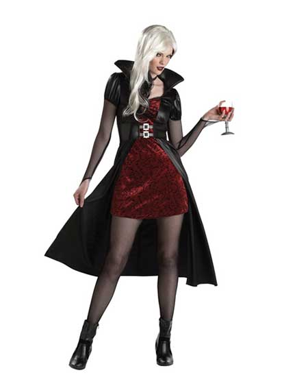 Fantasia de Vampira vestido vermelho com capa preta