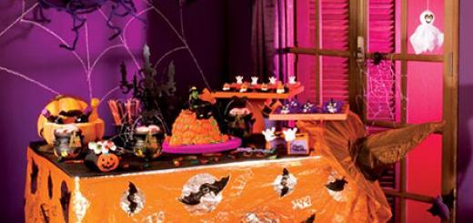 Festa de Halloween decoração com toalha de mesa laranja personalizada
