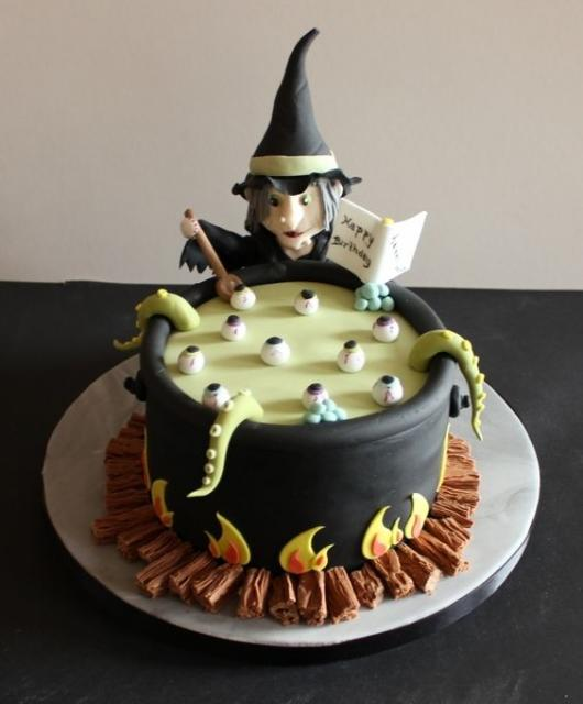 Festa de Halloween bolo com formato de caldeirão de bruxa