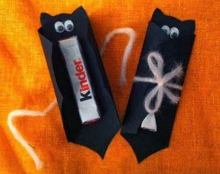 Festa de Halloween lembrancinha kit kat embalado em embalagem com formato de morcego