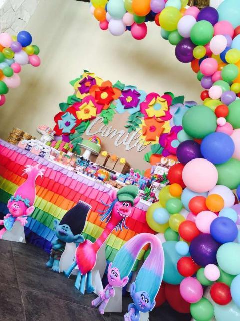O colorido está muito presente na Festa Trolls