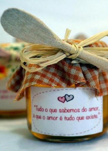 Pote de doce com frase romântica
