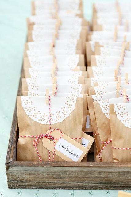 sacolinha de papel para casamento rústico