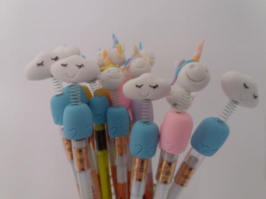 Ponteira de lápis super fofa da chuva de amor feita com biscuit