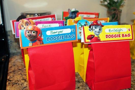 Sacolas de papel colorido da Patrulha Canina