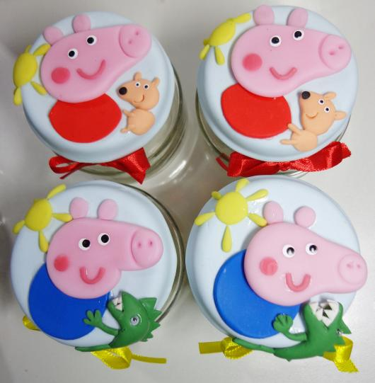 Peppa e George feitos de biscuit