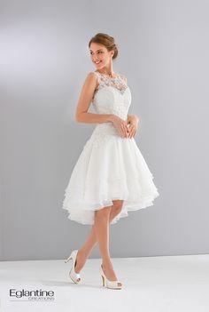 Vestido de noiva curto mullet.