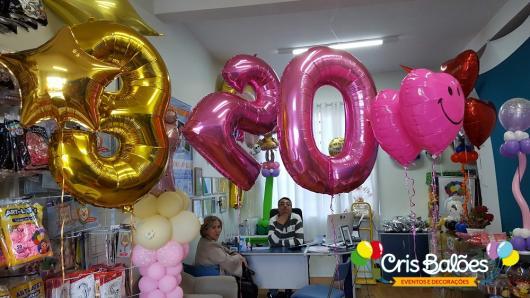 Balão de gás hélio de número nas cores dourada e rosa