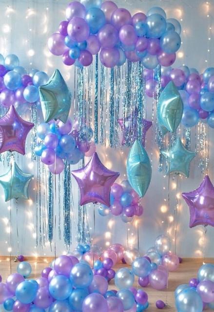 Balão de gás hélio em tons de lilás e azul para decoração do Fundo do Mar