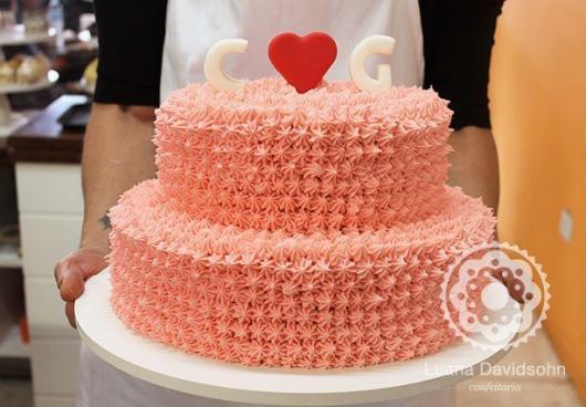 Dica de bolo para noivados com chantilly