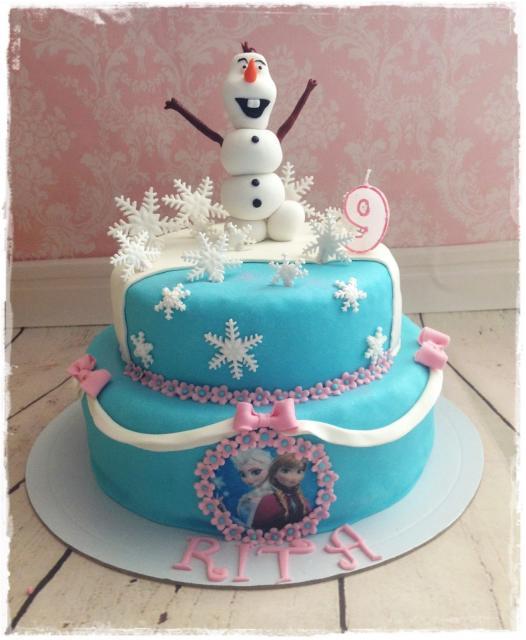 bolo com principais personagens da Frozen