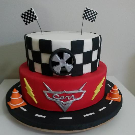 Os bolos temáticos são muito pedidos em aniversários infantis