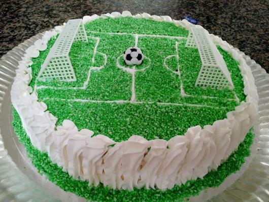 Bolo Futebol – 50 Inspirações Adoráveis   Dicas Valiosas Para Sua Festa! 690ea5f6065d7