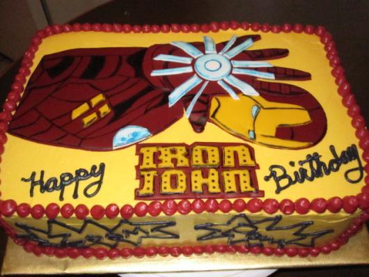 Os detalhes no acabamento incrementam e deixam o bolo lindo!