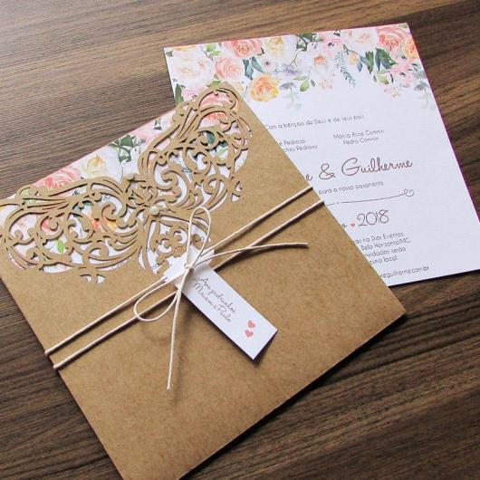 Envelope para convite de casamento com arabesco