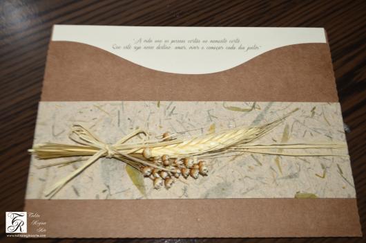 Envelope para convite de casamento rústico marrom e branco