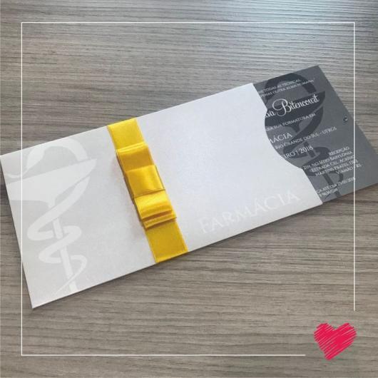 Envelope para convite de formatura branco