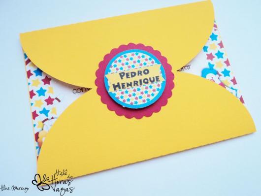 Envelope para convite de aniversário amarelo