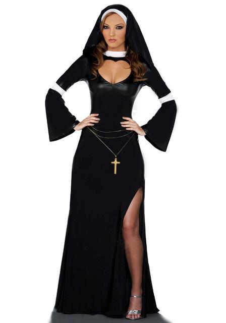 A freira é um tipo de fantasia com vestido preto