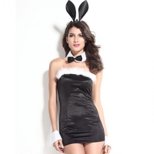 Fantasia de coelhinha com vestido tubinho