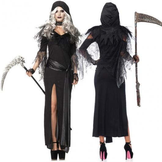 Ideia de fantasia com vestido preto com capuz