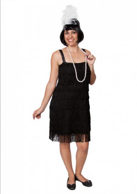 A fantasia de melindrosa também pode ser composta com vestido preto