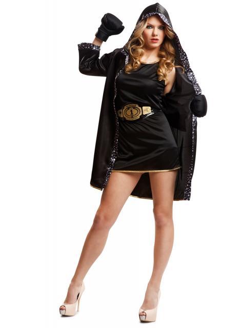 Outra opção de fantasia com vestido tubinho preto é de lutadora