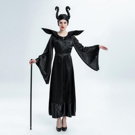 Fantasia de Malévola com vestido preto