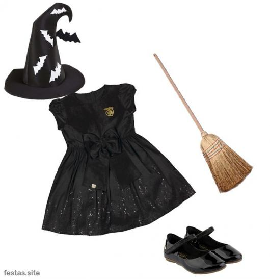 fantasia improvisada de bruxa