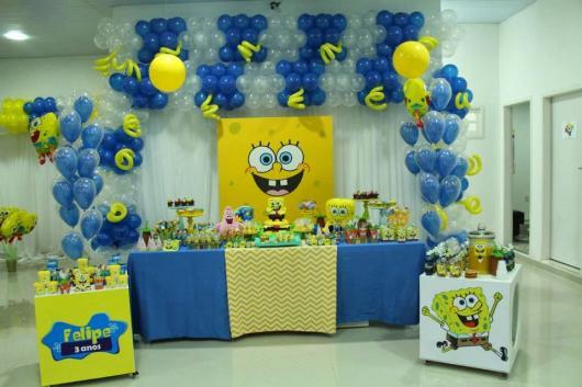 eaef7b2bc2d Não precisa investir em poucas opções decorativas mesmo em uma festa Bob  Esponja simples