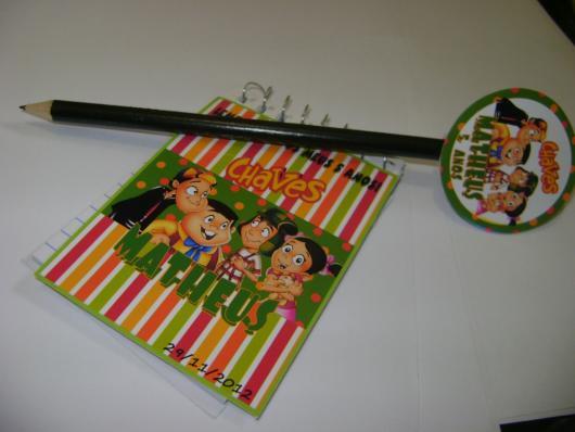 Kit com lápis e bloquinho personalizado