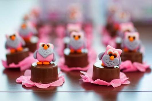 chocolate decorado para festa da corujinha