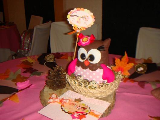 centro de mesa de convidado para festa da corujinha