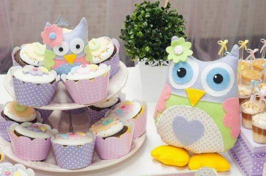 torre de cupcake festa da corujinha
