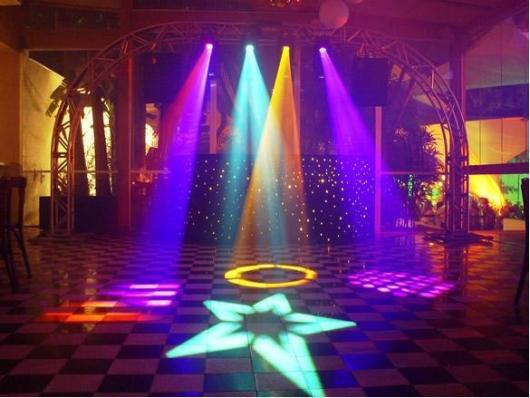 Festa de formatura neon com luzes no chão