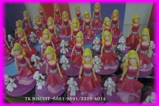 Lembrancinha da Barbie bonequinha em biscuit