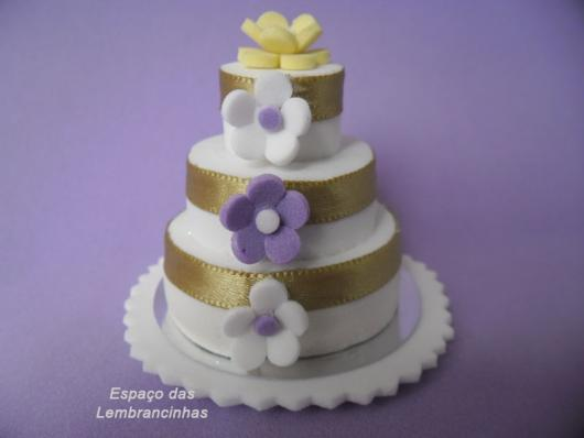 Lembrancinha de Casamento em EVA: mini bolo