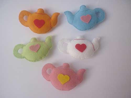 Lembrancinha de Chá de Panela de feltro: bule