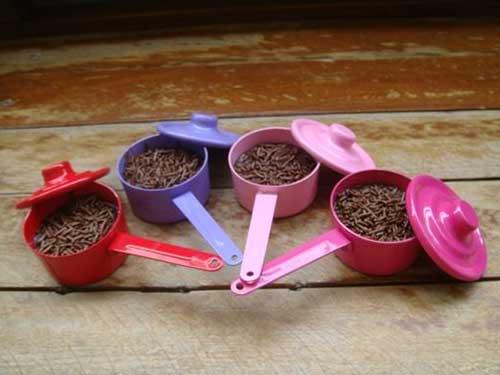Lembrancinha de Chá de Panela Simples: panelinha com brigadeiro