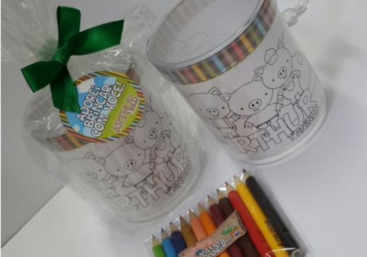 Kit para colorir que faz sucesso entre os pequenos