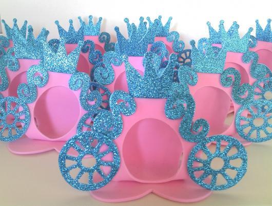 Carruagem rosa e azul para por bombons