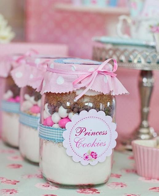 Outra ideia criativa para lembrancinha: bolo de pote