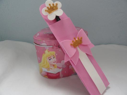 Porta lápis rosa da Cinderela em EVA