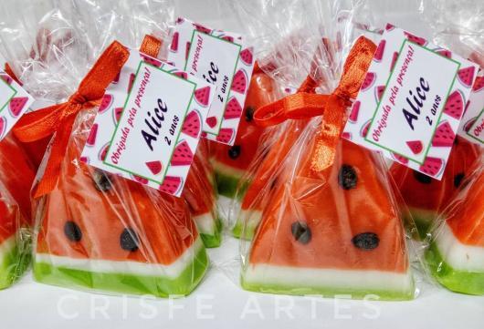 lembrancinhas da magali sabonete em formato de melancia