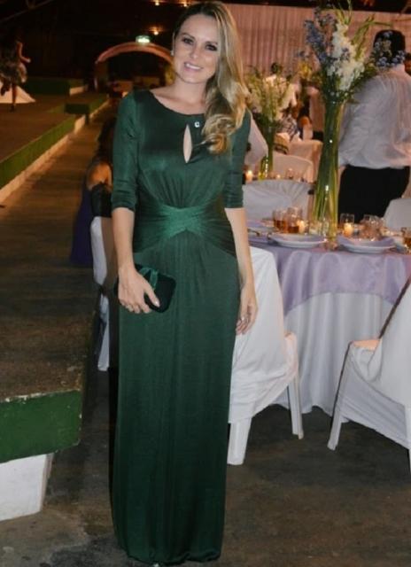 vestido de formatura verde com manga longa