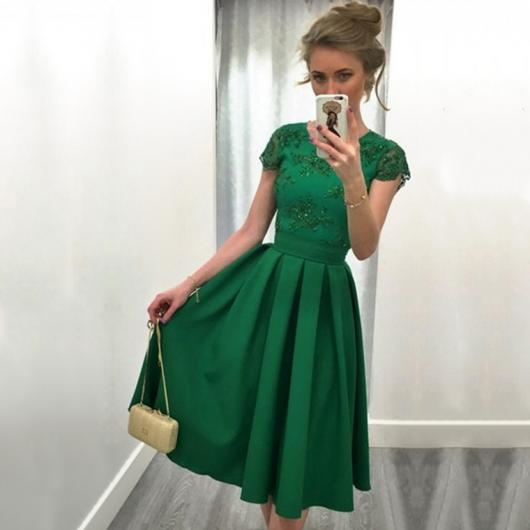 vestido de formatura verde curto saia drapeada