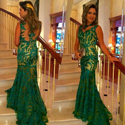 vestido de formatura verde costa nua com renda