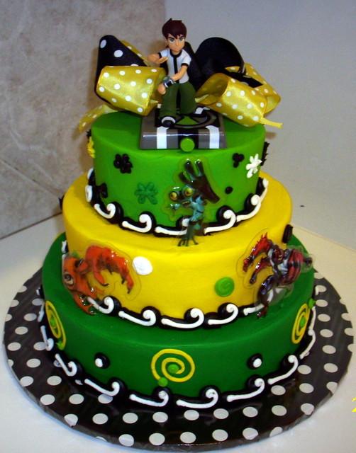 O jogo de cores deixam o bolo com um lindo aspecto, seja uma versão convencional ou cenográfica
