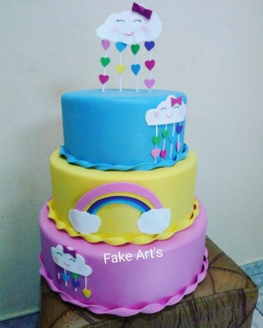 bolo fake chuva de amor em eva colorido
