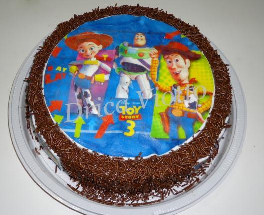 O clássico e delicioso bolo de chocolate